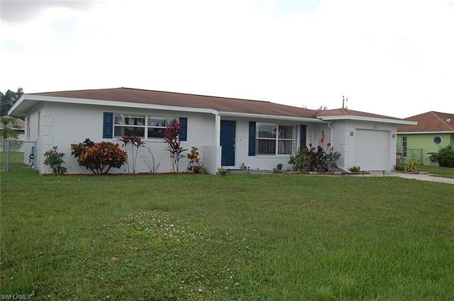 1302 Se 27th St, Cape Coral, FL 33904