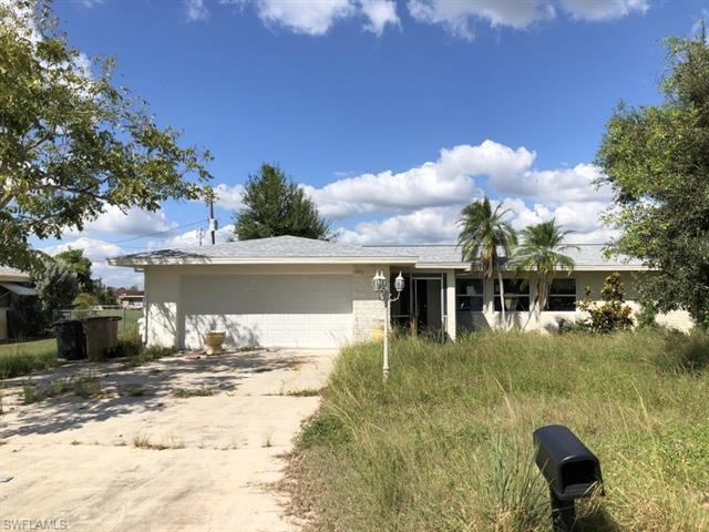 216 Fireside Ct, Lehigh Acres, FL 33936