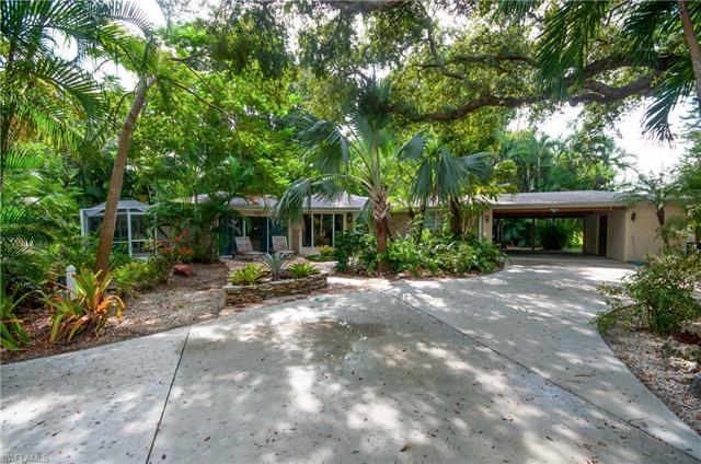 9856 Tonya Ct, Bonita Springs, FL 34135