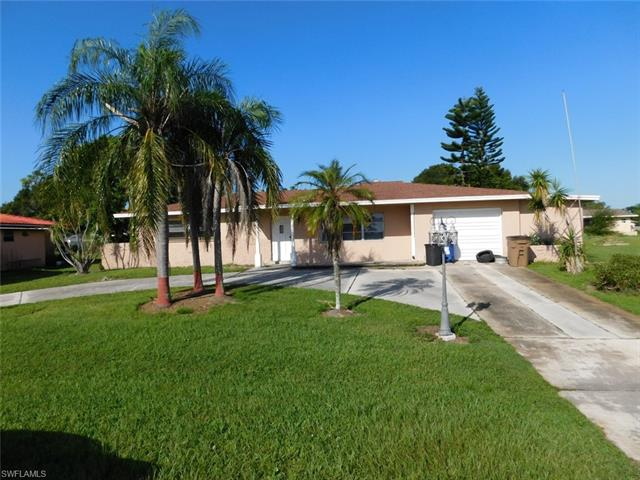 207 Rockcliff Ave, Lehigh Acres, FL 33936