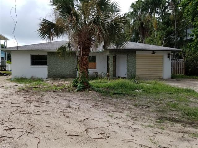 3571 Emerald Ave, St. James City, FL 33956