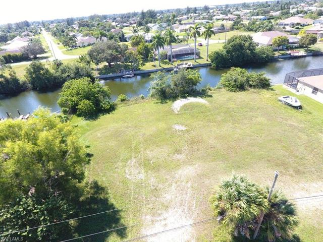 212 Sw 12th St, Cape Coral, FL 33991
