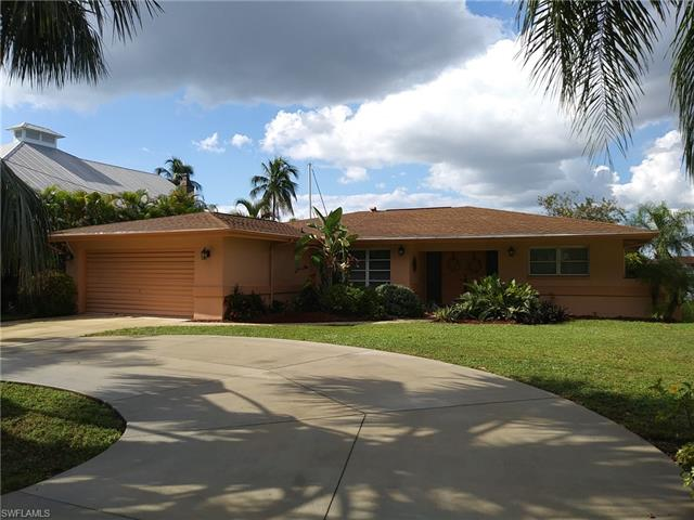 427 Avalon Dr, Cape Coral, FL 33904