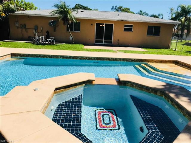 311 Lakeview Dr, North Fort Myers, FL 33917