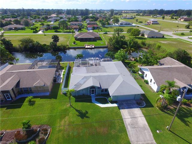 700 Sw 20th Ter, Cape Coral, FL 33991