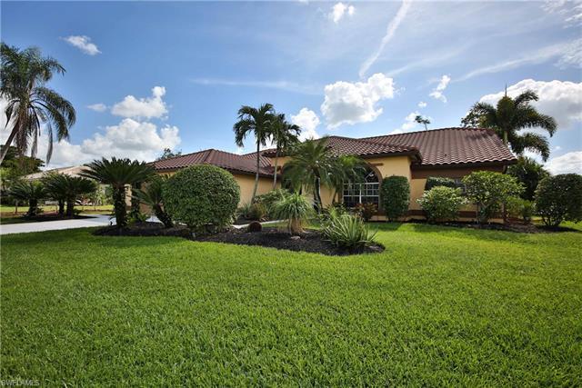 9390 White Hickory Ln, Fort Myers, FL 33912