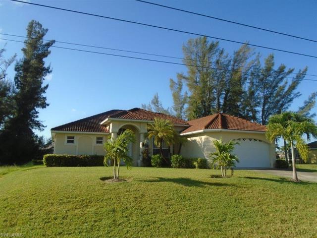 2206 Sw 38th Ter, Cape Coral, FL 33914
