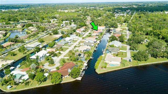 7219 Reymoor Dr, North Fort Myers, FL 33917