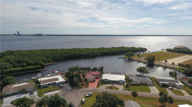 4316 Harbour Ln, North Fort Myers, FL 33903