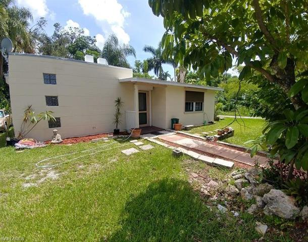 97 Oak St, North Fort Myers, FL 33903