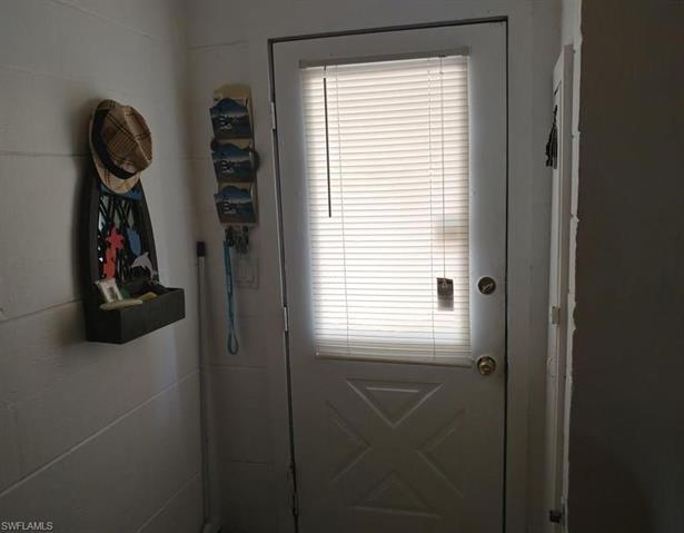 97 Oak St, North Fort Myers, FL 33903