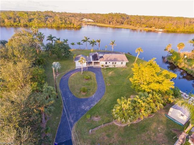 1771 Seminole Harbor Dr, Alva, FL 33920