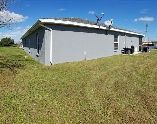 1136 Hightower Ave S, Lehigh Acres, FL 33973