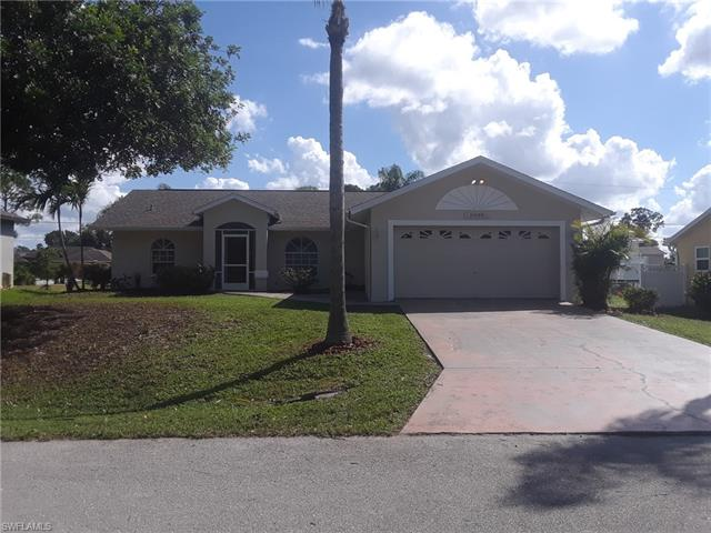 8096 Pelican Rd, Fort Myers, FL 33967