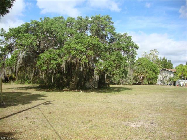 12690 Canopy Ln, Moore Haven, FL 33471