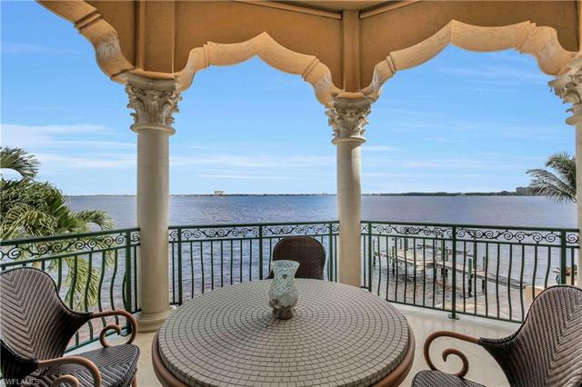 5649 Riverside Dr, Cape Coral, FL 33904