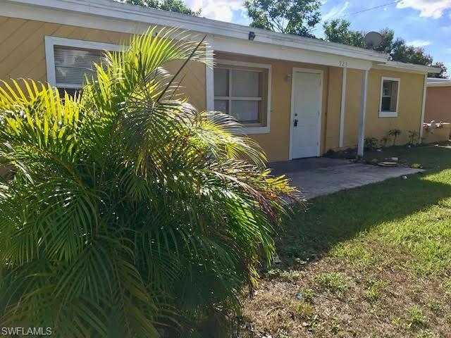 923 Hyacinth St, North Fort Myers, FL 33903