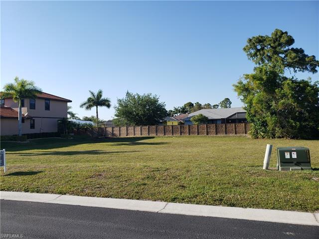 848 Palmetto Pointe Cir, Cape Coral, FL 33991