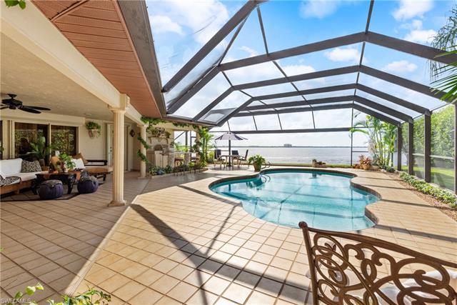 1608 Edith Esplanade, Cape Coral, FL 33904