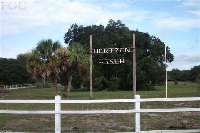 1229 Palomino Dr, Moore Haven, FL 33471