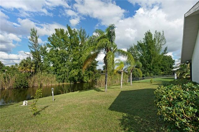 1017 Sw 18th Ter, Cape Coral, FL 33991