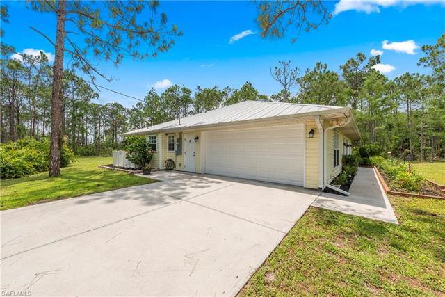 17770 Silver Panther Ln, Fort Myers, FL 33913