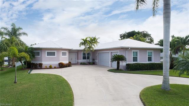 2144 Aruba Ave, Fort Myers, FL 33905