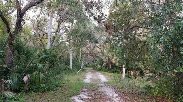 17471 Oak Creek Rd, Alva, FL 33920