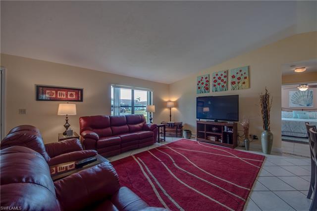 640 Se 21st Ave, Cape Coral, FL 33990