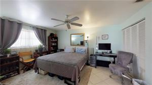 690 109th Ave N, Naples, FL 34108