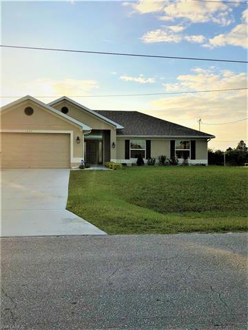 1037 Chadbourne Ave, Lehigh Acres, FL 33971
