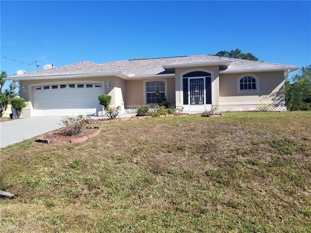 712 Hibiscus Ave, Lehigh Acres, FL 33972
