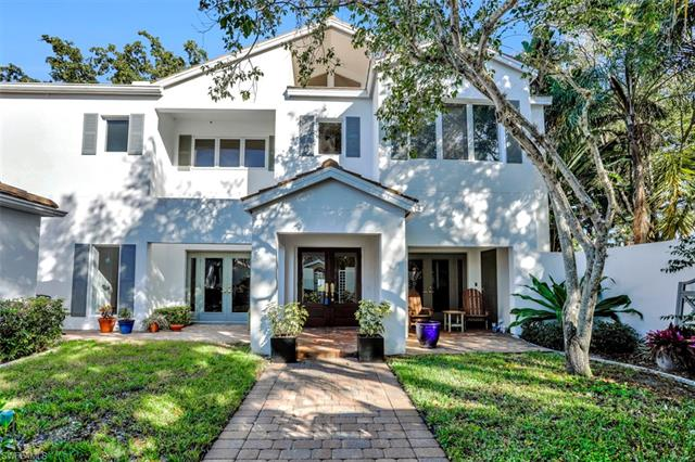 9808 Ensign Ct, Fort Myers, FL 33919