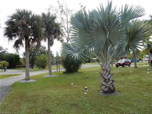 15525 Kapok Ct, Fort Myers, FL 33908