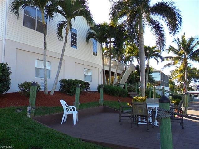 6296 Cocos Dr, Fort Myers, FL 33908