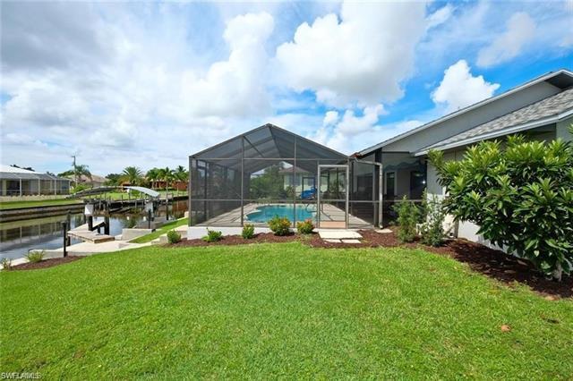 428 Mohawk Pky, Cape Coral, FL 33914