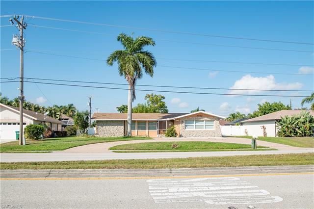 4052 Country Club Blvd 0, Cape Coral, FL 33904