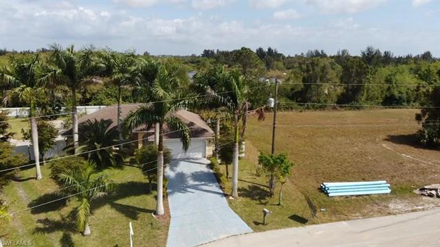 329 Nw 12th Pl, Cape Coral, FL 33993