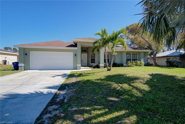 17413 Arizona Rd, Fort Myers, FL 33967