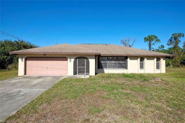 3005 E 2nd St, Lehigh Acres, FL 33936