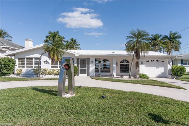 5661 Riverside Dr, Cape Coral, FL 33904