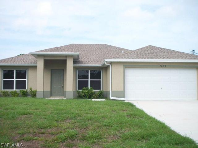 1823 Ridgemoor St, Lehigh Acres, FL 33972