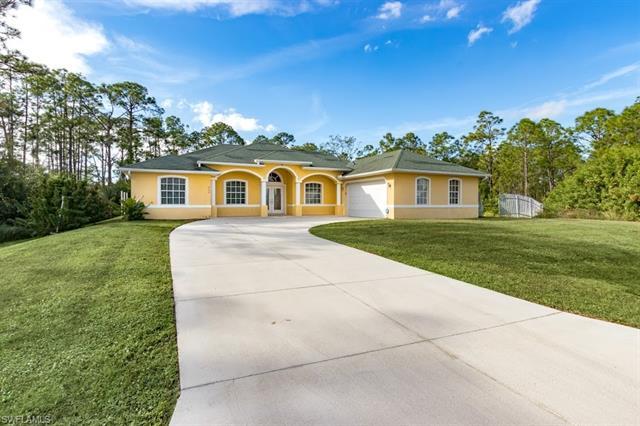 909 Cortez Ave, Lehigh Acres, FL 33972