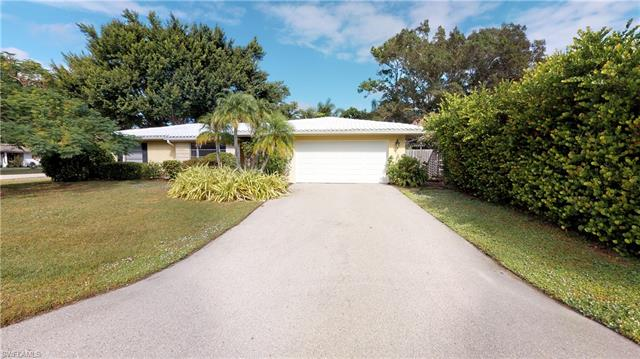 1601 N Hermitage Rd, Fort Myers, FL 33919