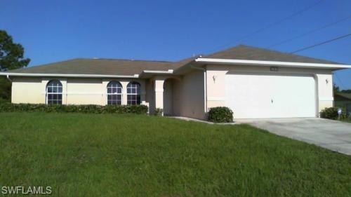 105 Tena Ave N, Lehigh Acres, FL 33971