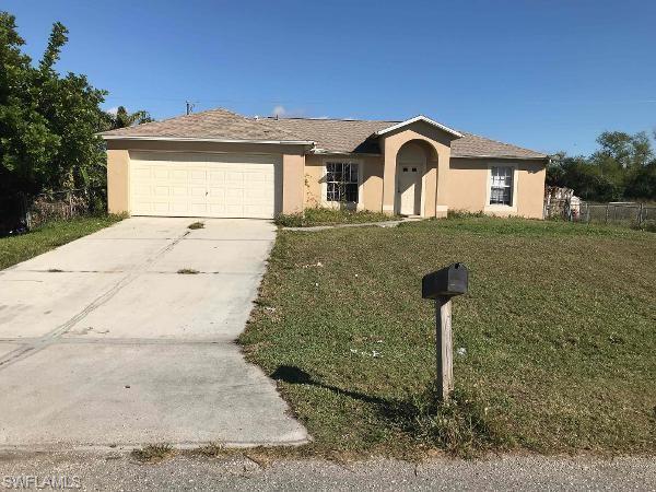513 Jefferson Dr, Lehigh Acres, FL 33936