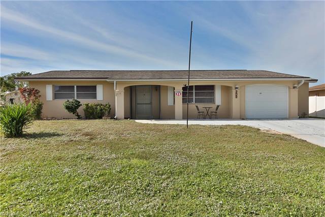 209 Redcliff Ave, Lehigh Acres, FL 33936
