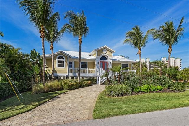 253 Estrellita Dr, Fort Myers Beach, FL 33931