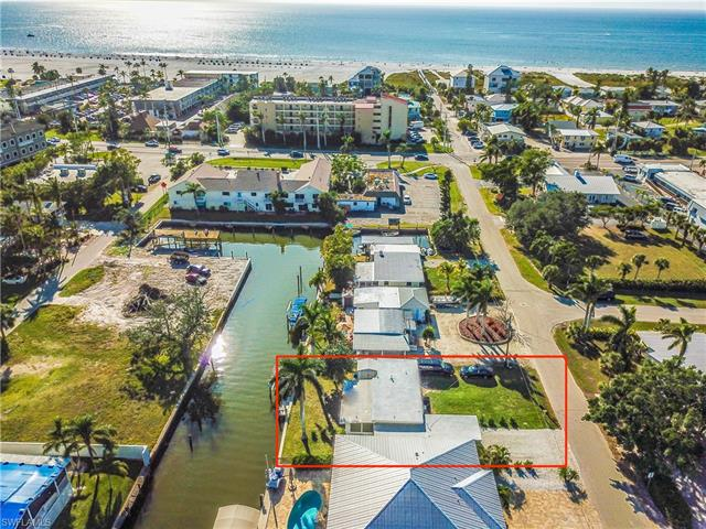 148 Flamingo St, Fort Myers Beach, FL 33931