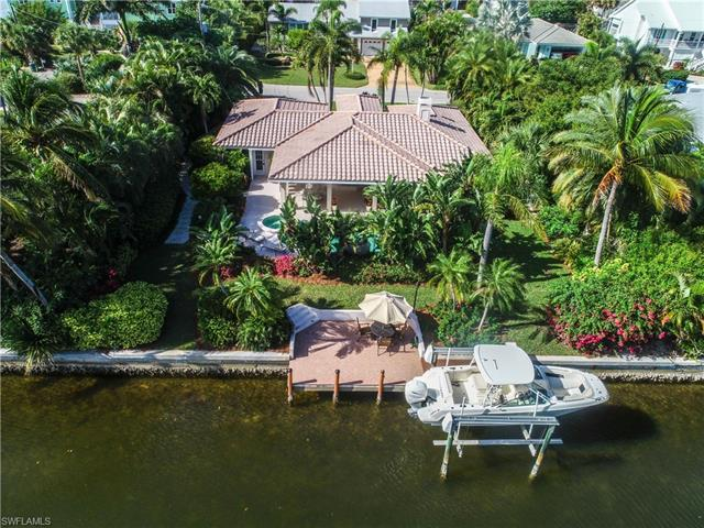 932 Whelk Dr, Sanibel, FL 33957